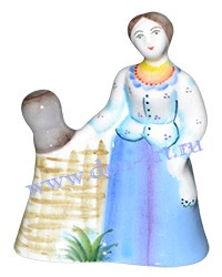 Скульптурка Аксинья у плетня