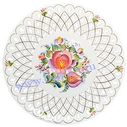 Тарель настенная Красавица (резная)